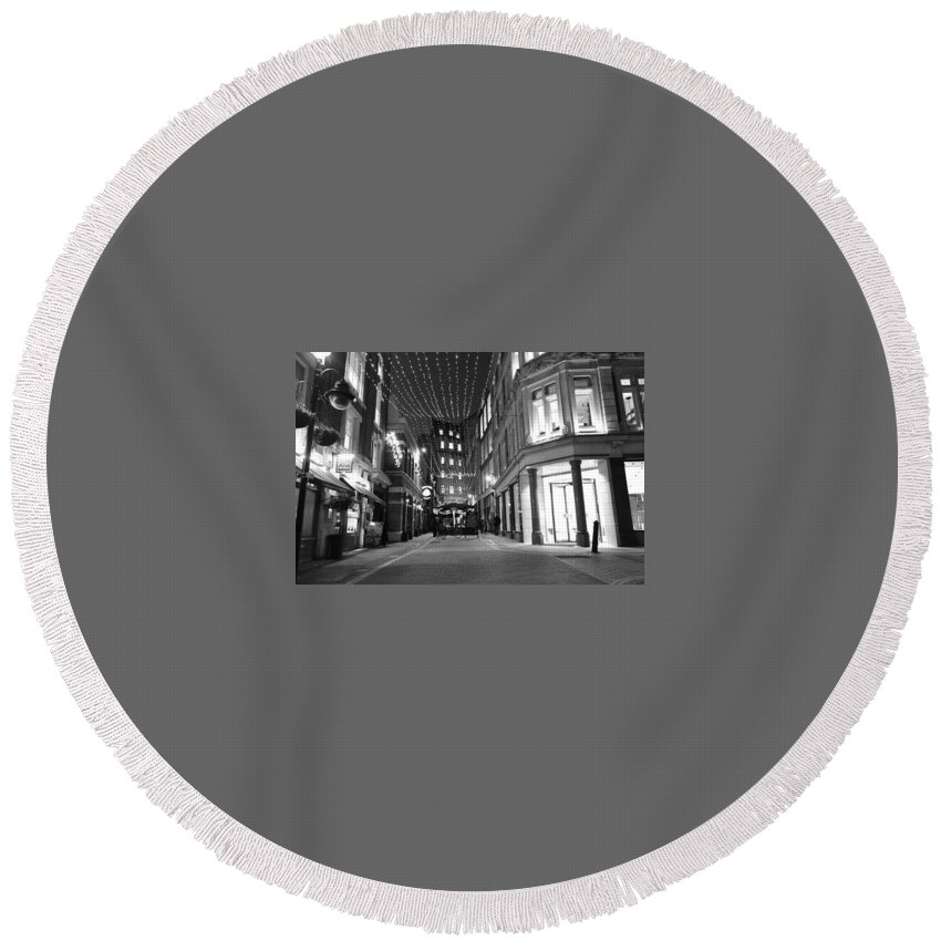 Photography Round Beach Towel featuring the photograph London Xmas by Valentine Bow