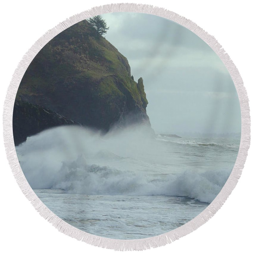 Cape Disappointment Round Beach Towel featuring the photograph Long Beach 2018 Dsc_3870 by Safe Haven Photography Northwest