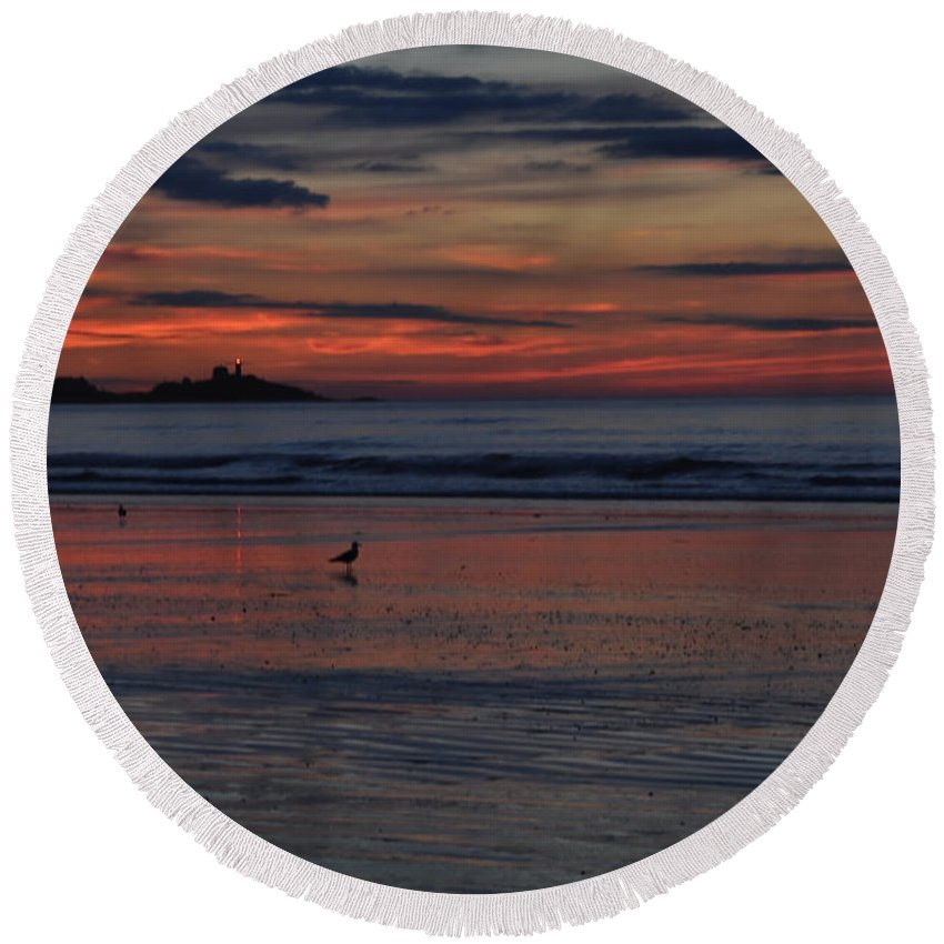Beach Round Beach Towel featuring the photograph Longsands Dawn by Catherine Easton