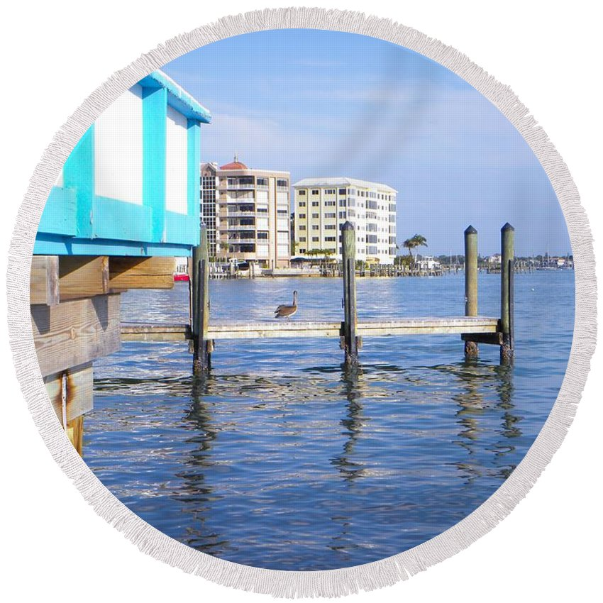 Pelican Round Beach Towel featuring the photograph Looking For Scaps by Ric Schafer