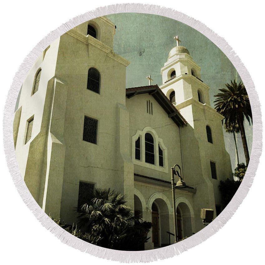 Church Round Beach Towel featuring the photograph Beverly Hills Church by Scott Pellegrin