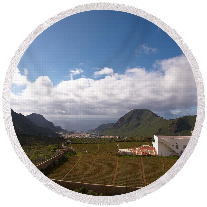 Landscape Round Beach Towel featuring the photograph Los Gigantes by Jouko Lehto