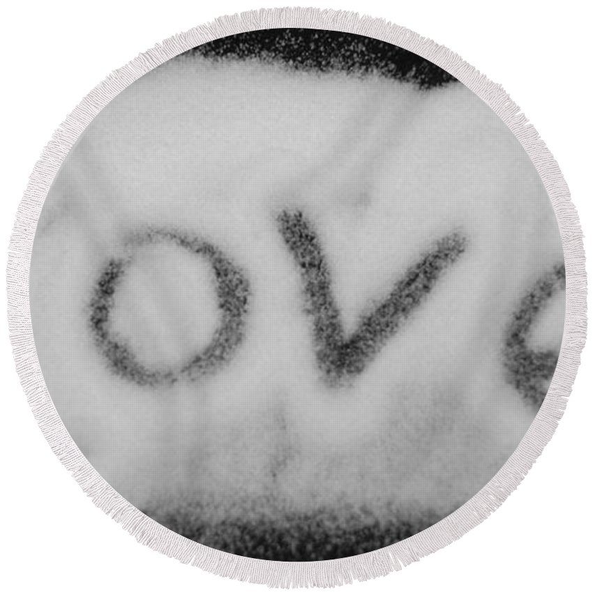 Black And White Round Beach Towel featuring the photograph Love by Rob Hans