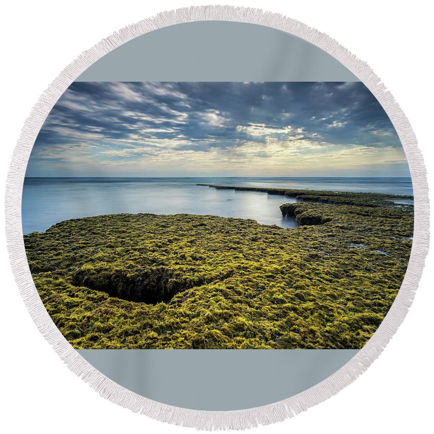Round Beach Towel featuring the photograph Low Tide At Swami's by Doug Barr