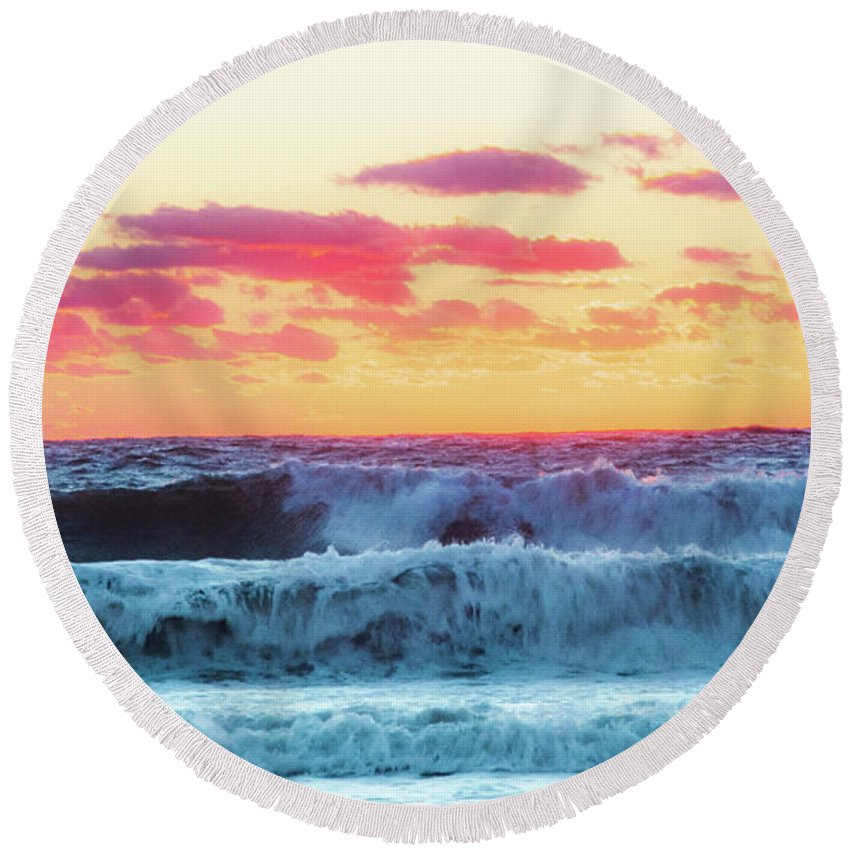 Lucy Vincent Beach Round Beach Towel featuring the photograph Lucy Vincent Surf by Island Images Gallery