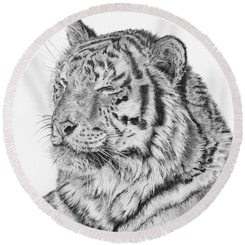 Siberian Tiger Round Beach Towel featuring the drawing Luna by Shevin Childers