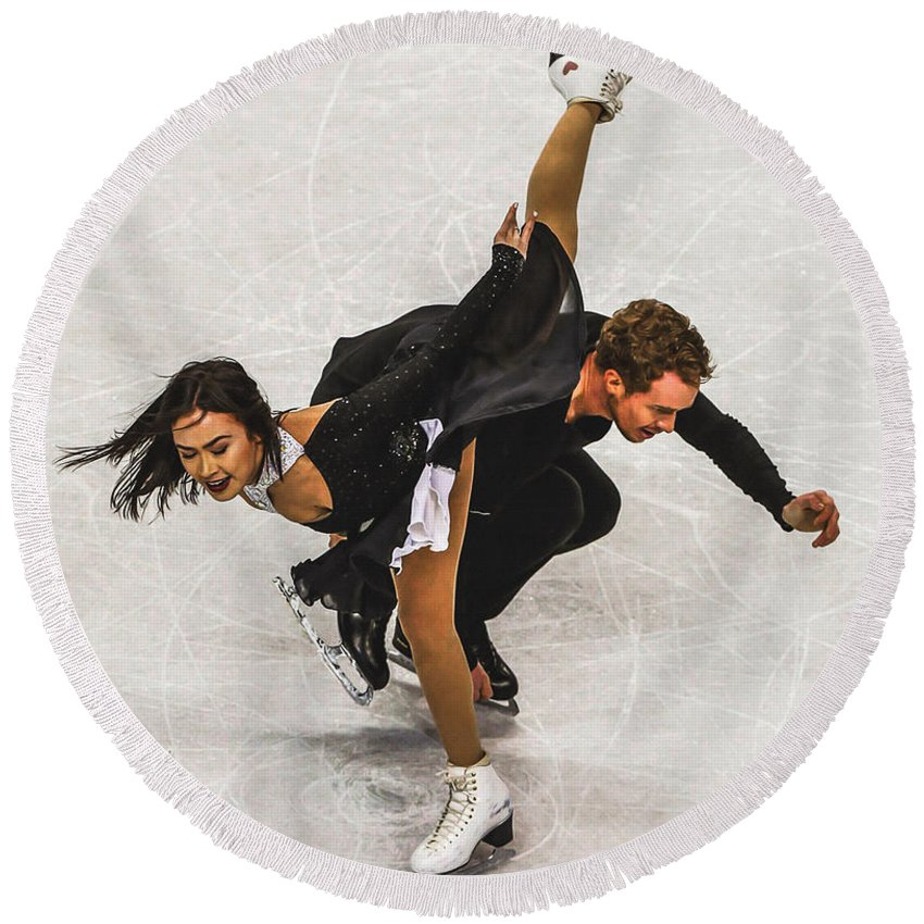 Decoration Round Beach Towel featuring the digital art Madison Chock And Evan Bates by Don Kuing