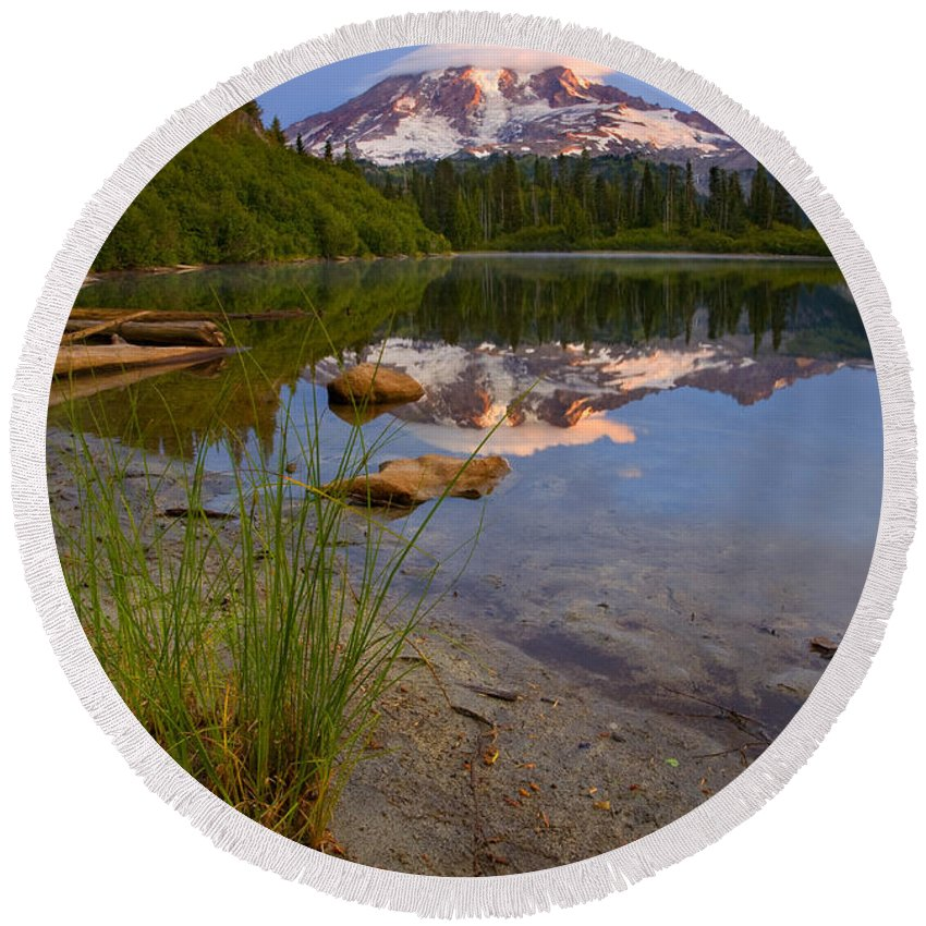 Mt. Rainier Round Beach Towel featuring the photograph Majestic Glow by Mike Dawson