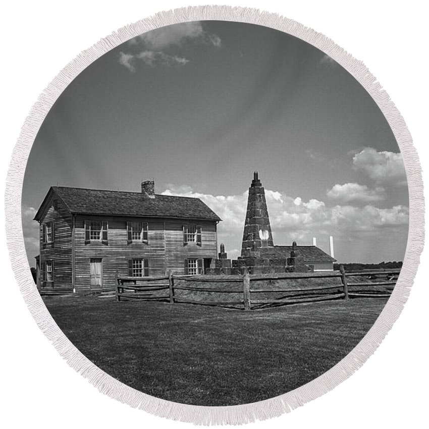 America Round Beach Towel featuring the photograph Manassas Battlefield Farmhouse 2 Bw by Frank Romeo