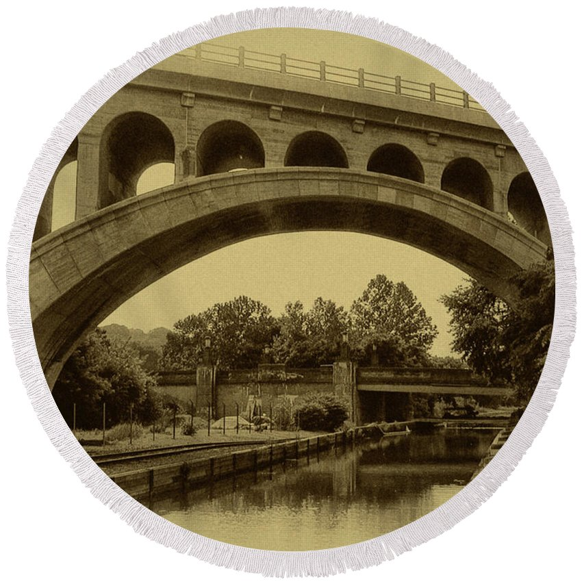Manayunk Round Beach Towel featuring the photograph Manayunk Canal In Sepia by Bill Cannon