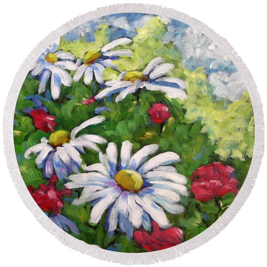 Daysy Round Beach Towel featuring the painting Marguerites 002 by Richard T Pranke