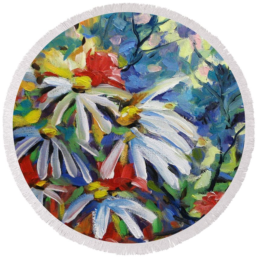 Art Round Beach Towel featuring the painting Marguerites by Richard T Pranke