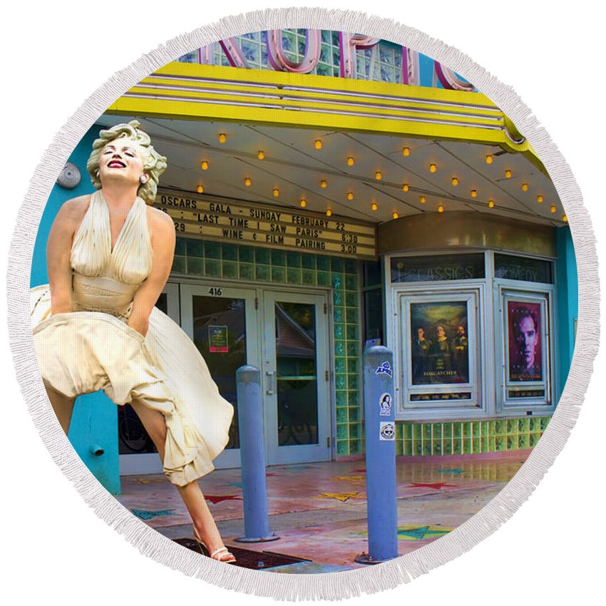 Beautiful Round Beach Towel featuring the photograph Marilyn Monroe In Front Of Tropic Theatre In Key West by David Smith