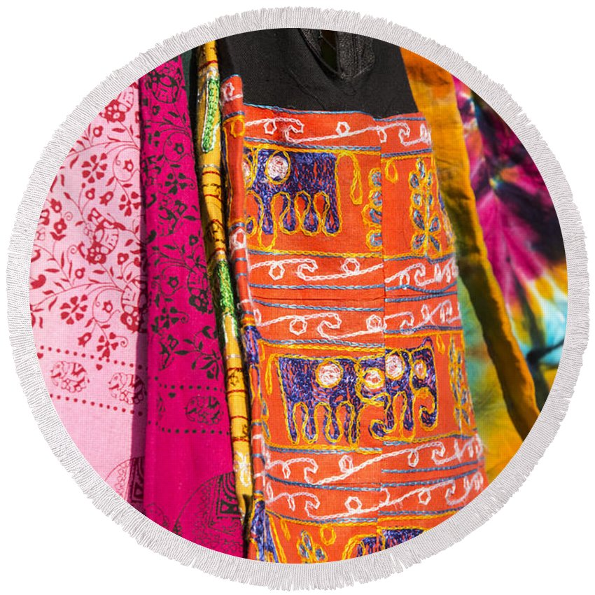 Georgetown Texas Market Markets Colorful Bag Bags Artwork Crafts Round Beach Towel featuring the photograph Market Bag by Bob Phillips