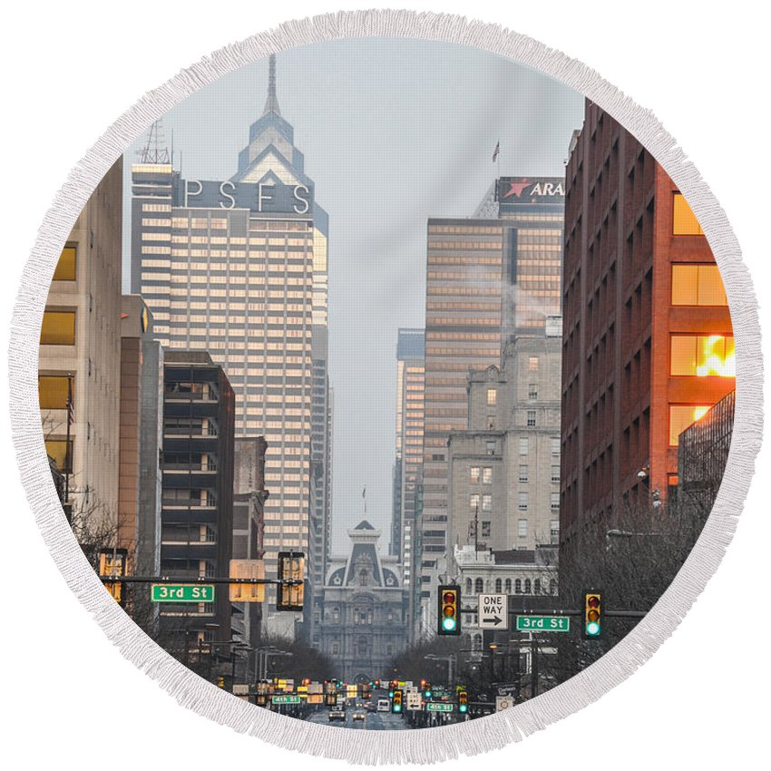 Market Round Beach Towel featuring the photograph Market Street Philadelphia - In The Morning by Bill Cannon
