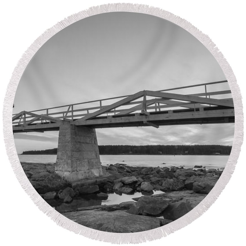 Marshall Point Lighthouse Round Beach Towel featuring the photograph Marshall Point Light Sunset Bw by Michael Ver Sprill