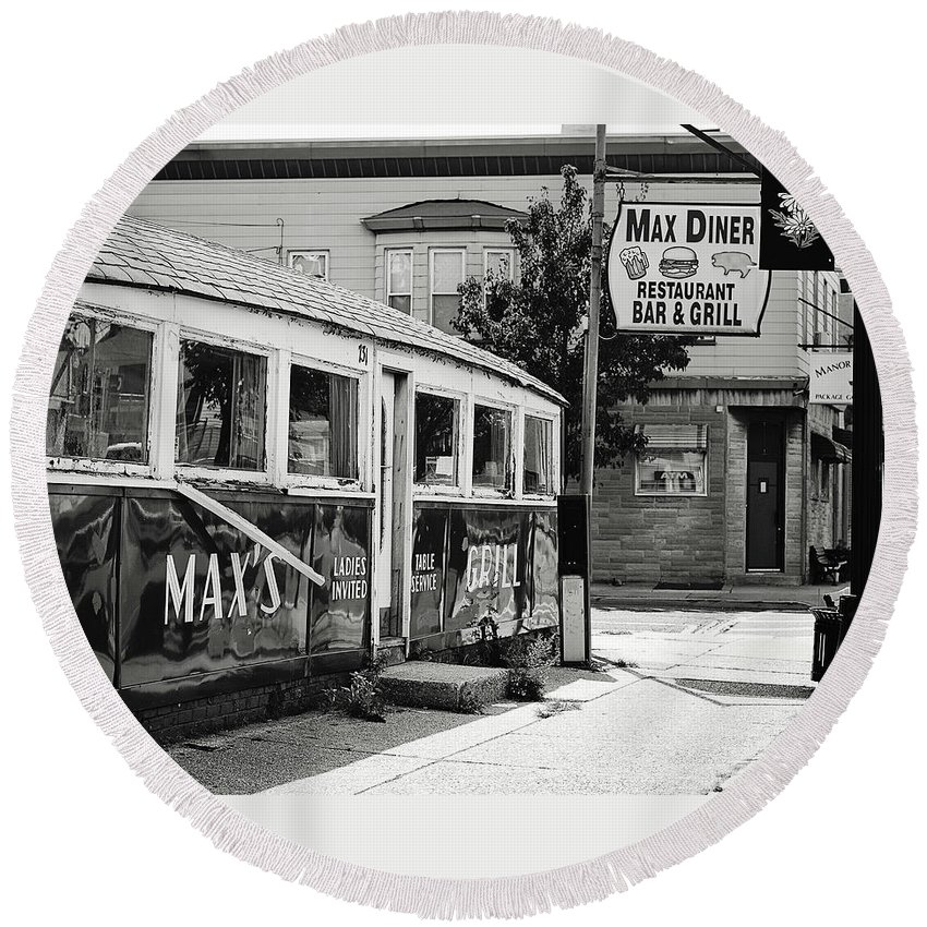 Terry Deluco Round Beach Towel featuring the photograph Max's Diner New Jersey Black And White by Terry DeLuco