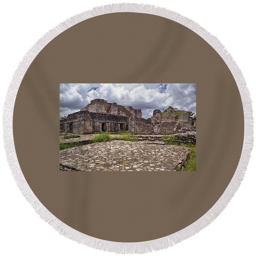 Chichen Itza Round Beach Towel featuring the photograph Mayan Ruins 1 by Michael Peychich