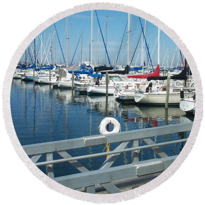 Mckinley Marina Round Beach Towel featuring the photograph Mckinley Marina 4 by Anita Burgermeister