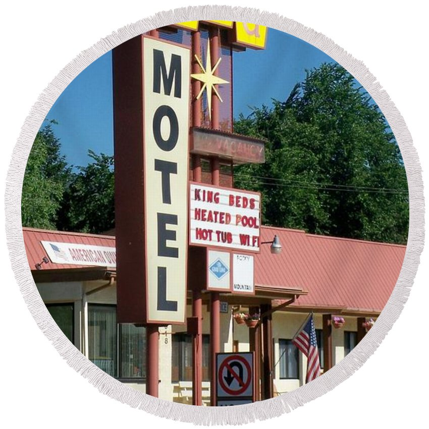 Vintage Motel Signs Round Beach Towel featuring the photograph Mecca Motel by Anita Burgermeister