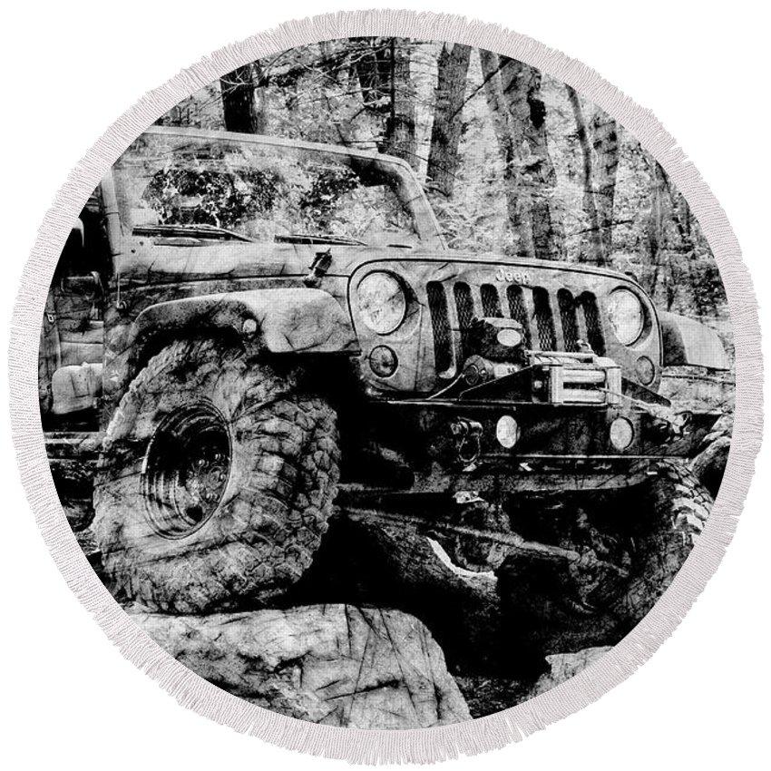 Jeep Round Beach Towel featuring the photograph Metallic Jeep Jku Wrangler by Luke Moore