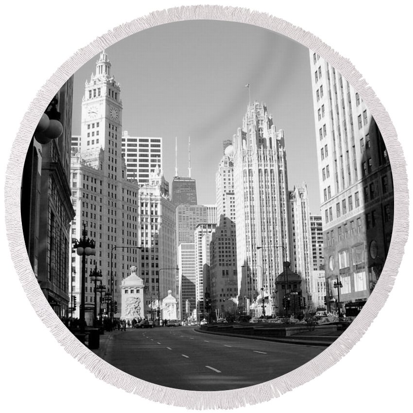 Chicago Round Beach Towel featuring the photograph Michigan Ave Wide B-w by Anita Burgermeister