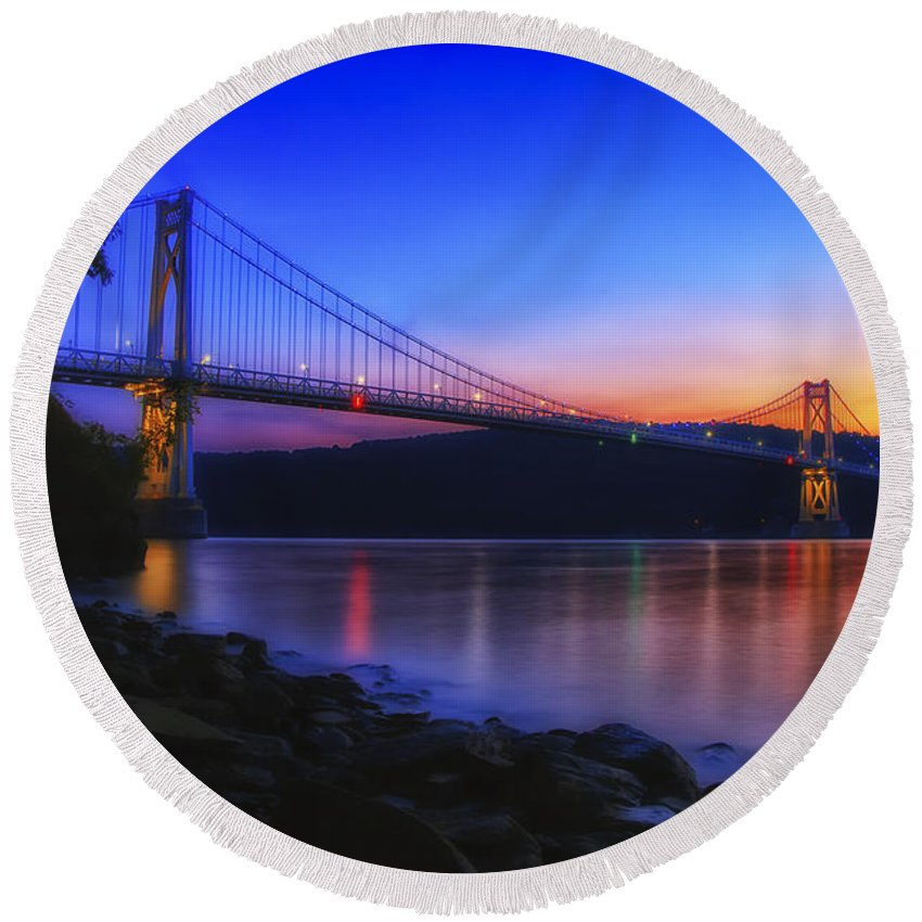 Dutchess County Round Beach Towel featuring the photograph Mid-hudson Glow by Rachel Snydstrup