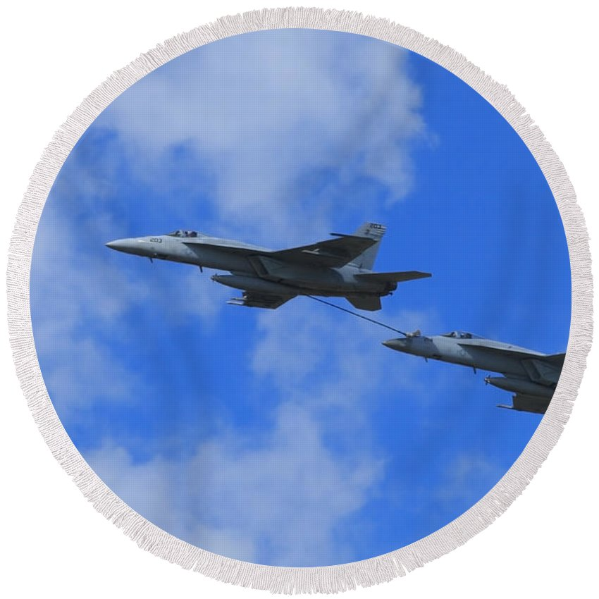 Us Round Beach Towel featuring the photograph Midflight Refueling by Travis Rogers