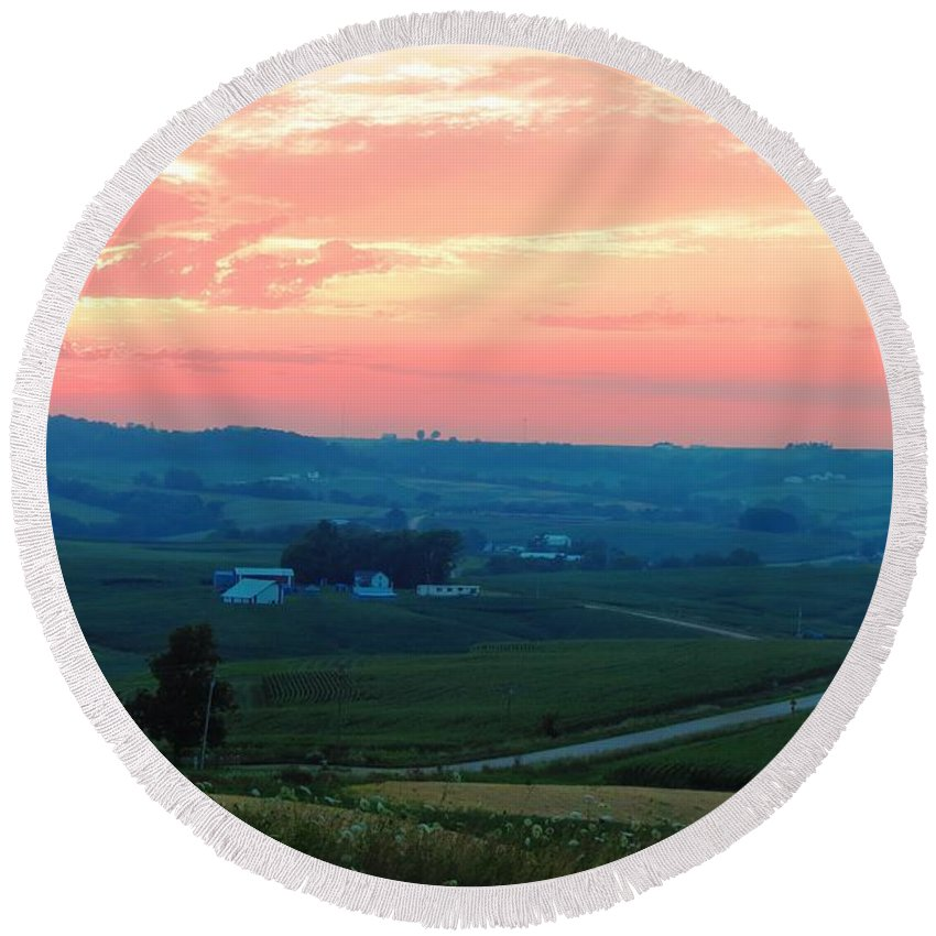 Sunset Round Beach Towel featuring the photograph Midwest Sunset by Connor Ehlers