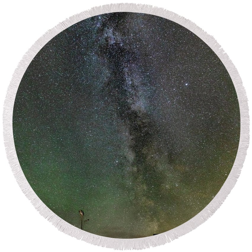 Iceland. Northern Lights Round Beach Towel featuring the photograph Milky Way by Bragi Kort