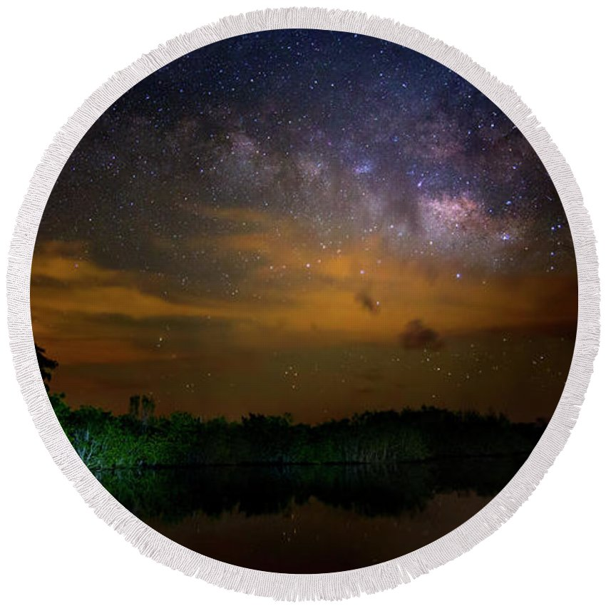 Milky Way Round Beach Towel featuring the photograph Milky Way Fire by Mark Andrew Thomas