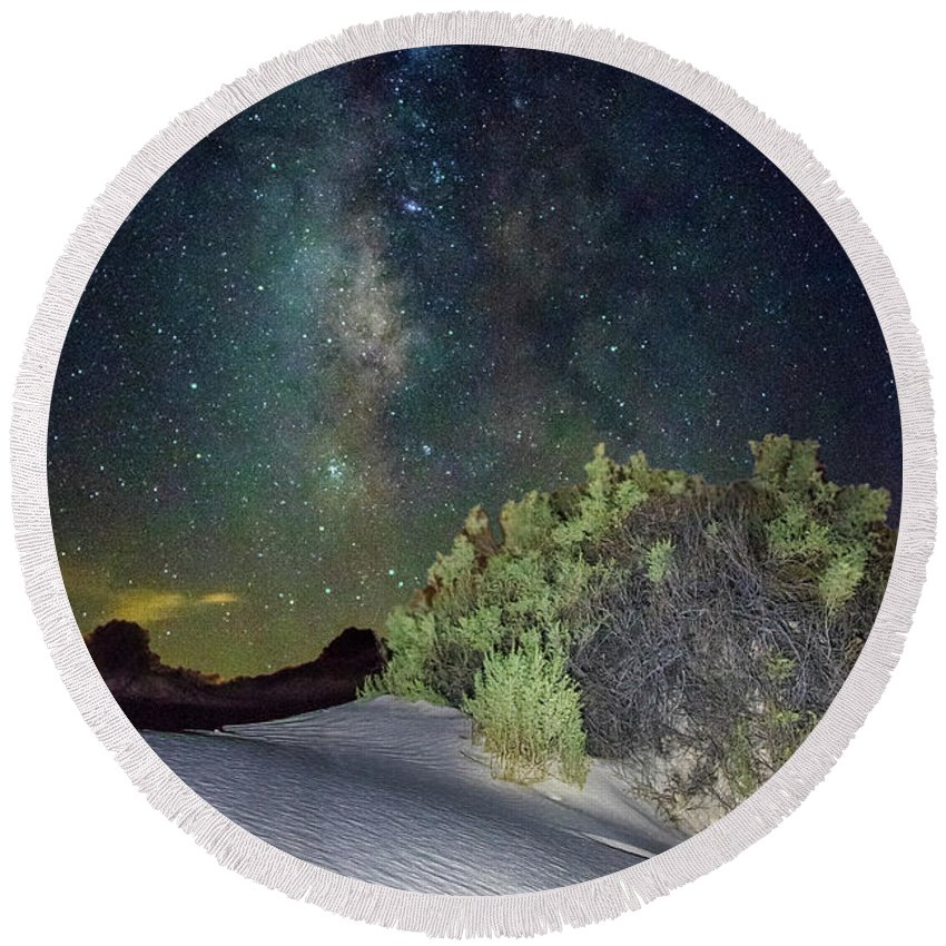 White Sands Round Beach Towel featuring the photograph Milky Way White Sands by Jennifer Sensiba