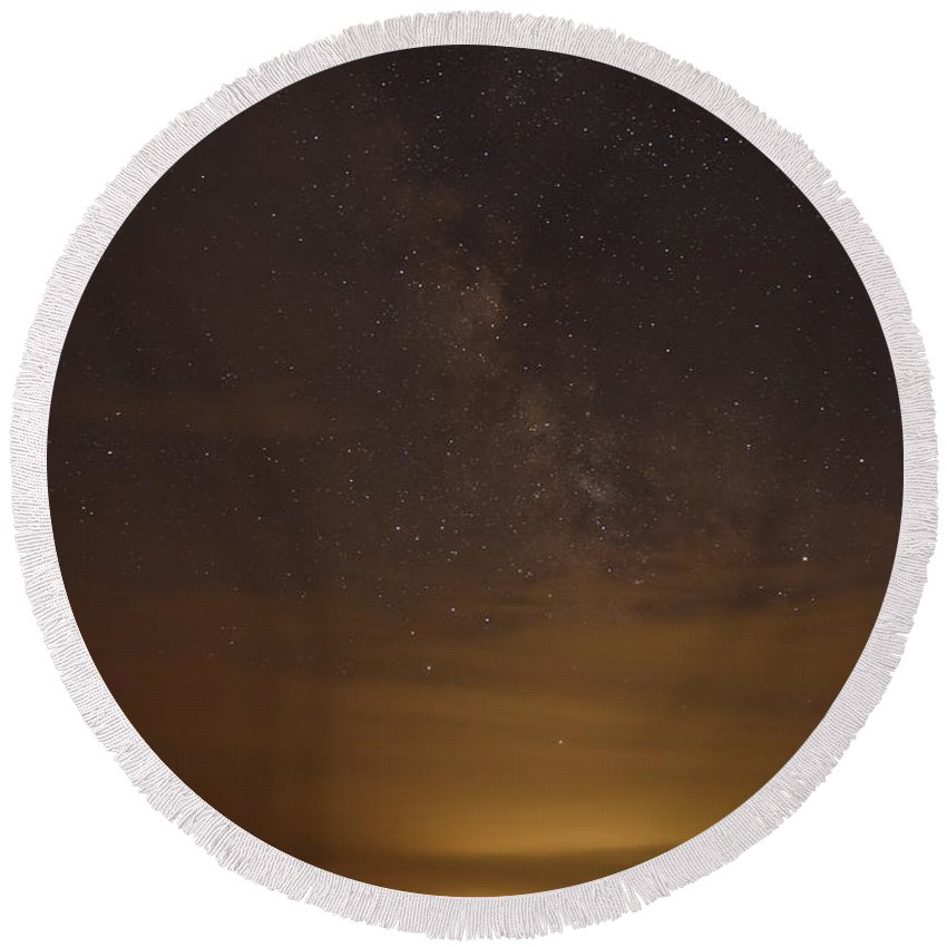 New England Round Beach Towel featuring the photograph Milkyway #3 by Susan Russo