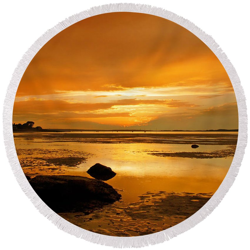 Mill Way Round Beach Towel featuring the photograph Mill Way Beach Sunset by Charles Harden