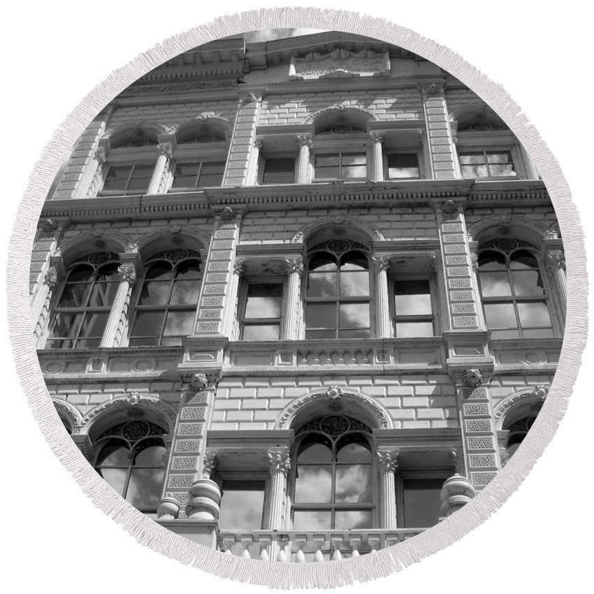 Milwaukee Round Beach Towel featuring the photograph Milwaukee Cloud Reflections Bw by Anita Burgermeister