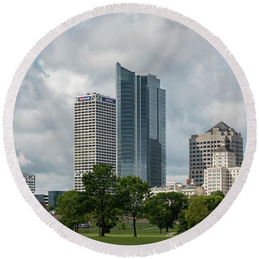Skyline Round Beach Towel featuring the photograph Milwaukee Skyline From Veterans Park 2 by James Meyer