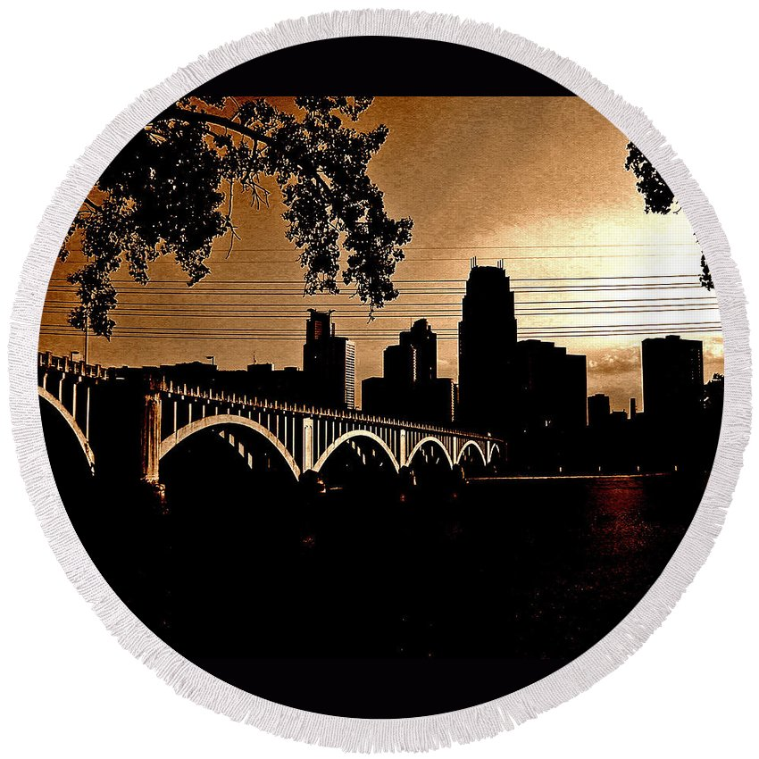 Minneapolis Round Beach Towel featuring the photograph Minneapolis Skyline In Copper by Tom Reynen