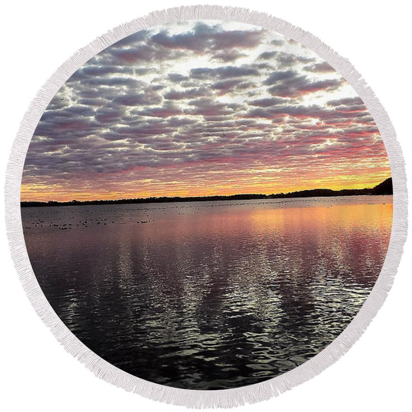 Lake Round Beach Towel featuring the photograph Minnesota Sunrise by Tracy Welter