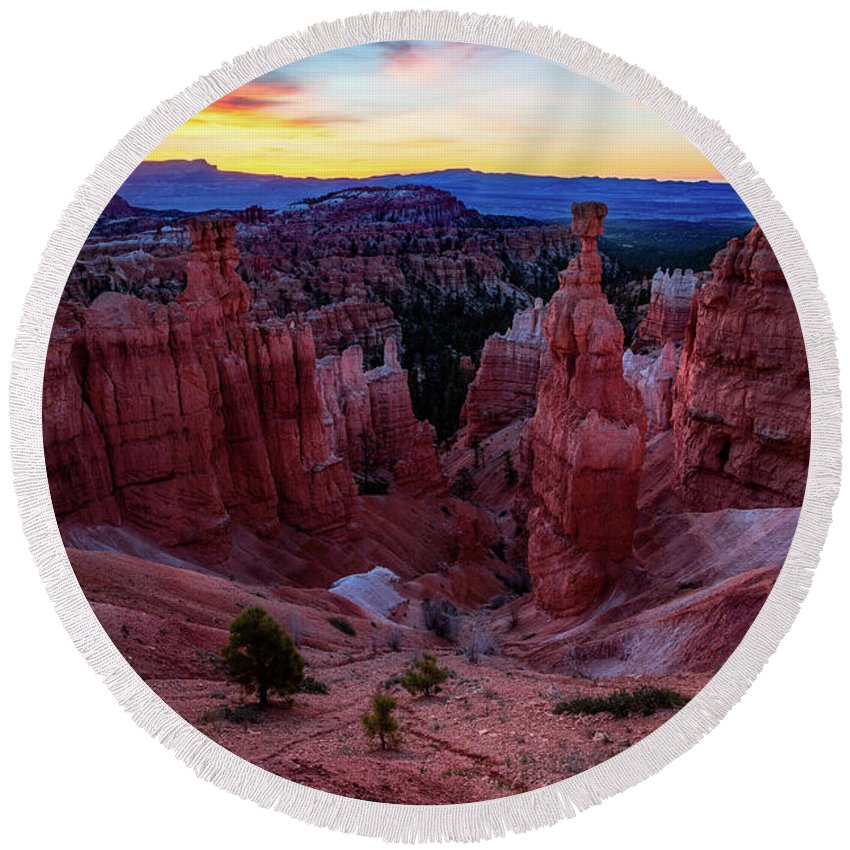 Amaizing Round Beach Towel featuring the photograph Thor's Light by Edgars Erglis
