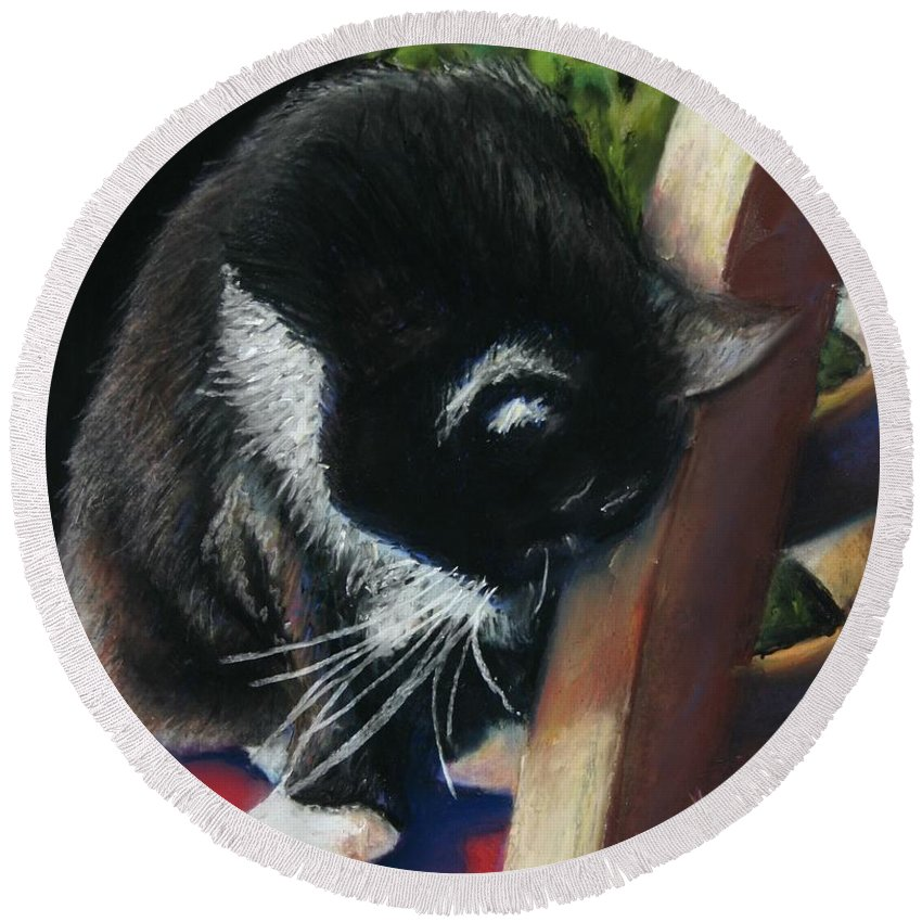 Cat Round Beach Towel featuring the painting Kitty Chair by Minaz Jantz
