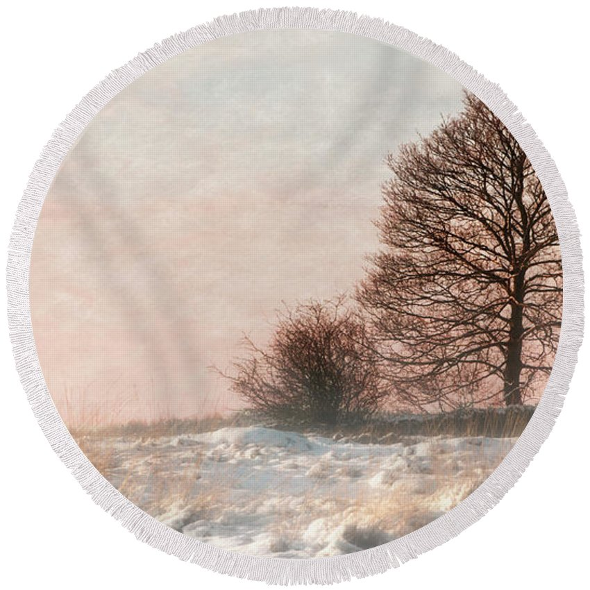 Snow Round Beach Towel featuring the photograph Winter Sunset by Linsey Williams