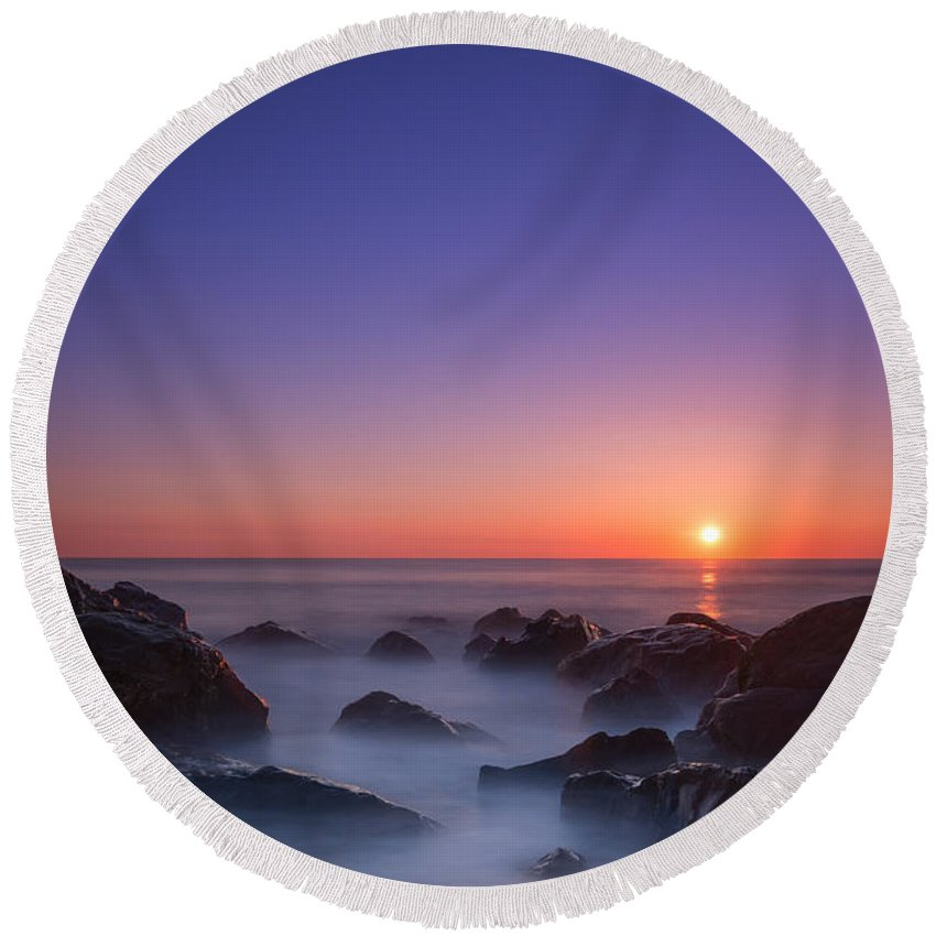 Sea Girt Round Beach Towel featuring the photograph Misty Rock Sunrise by Michael Ver Sprill