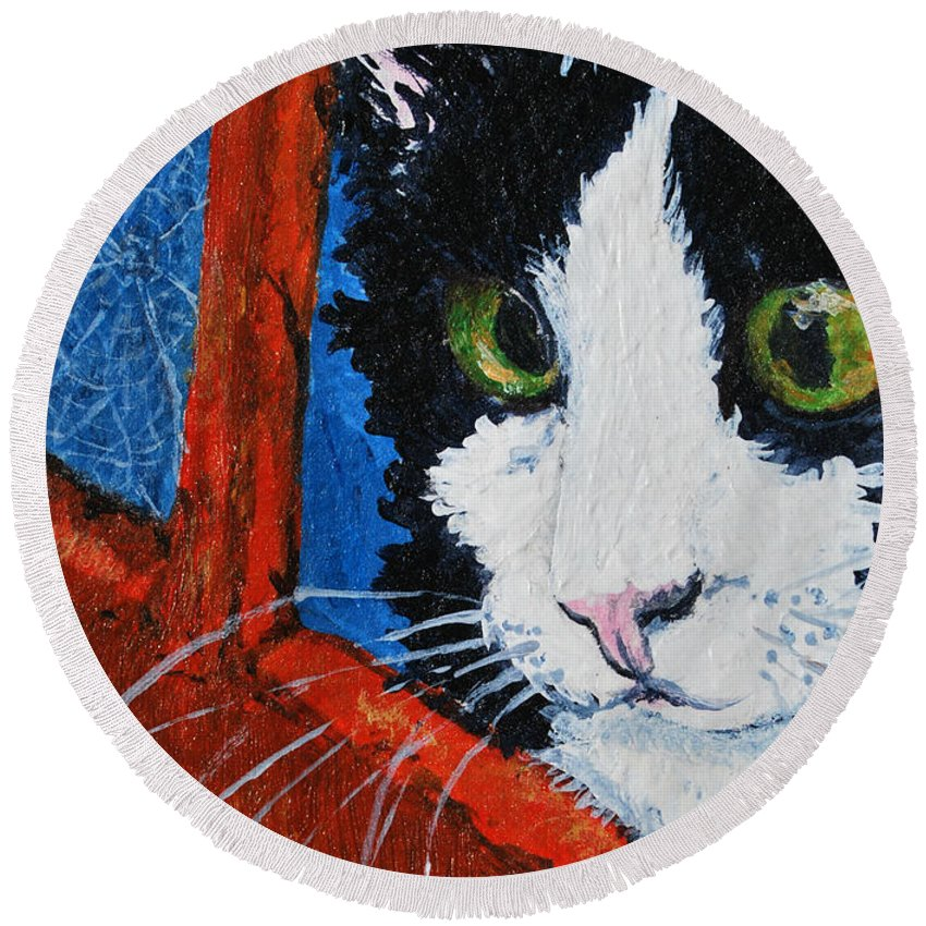 Cat Round Beach Towel featuring the painting Molly by Reina Resto