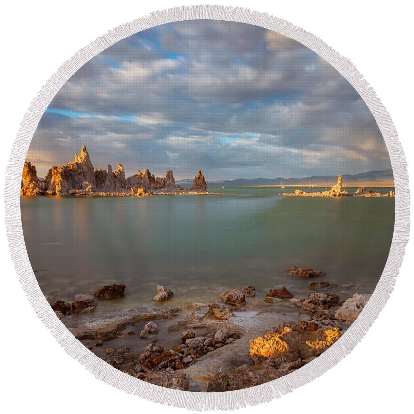 Landscape Round Beach Towel featuring the photograph Mono Icons by Jonathan Nguyen