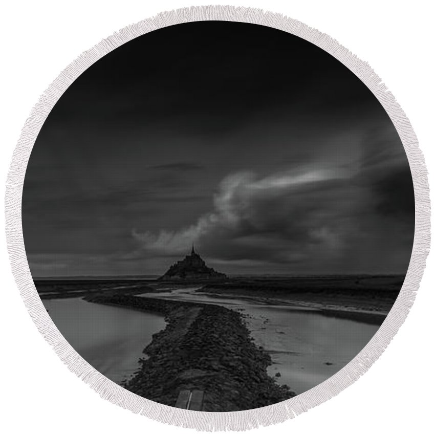 Long Expo Round Beach Towel featuring the photograph Mont Saint Michel 2 by Marcel Van der Stroom