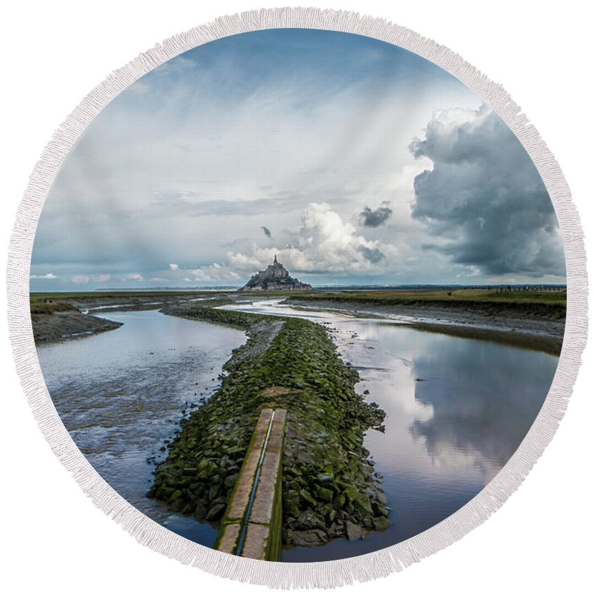 France Round Beach Towel featuring the photograph Mont Saint Michel Color by Marcel Van der Stroom