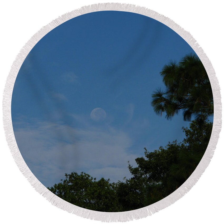 September A.m. Moon Round Beach Towel featuring the photograph Moon Age Day Dream by Greg Patzer