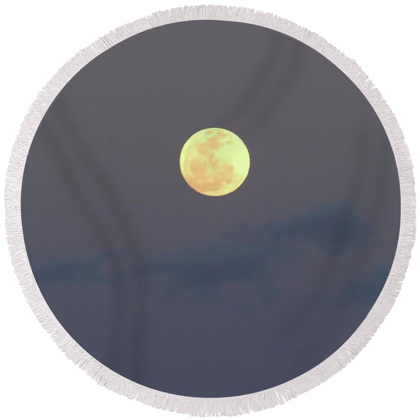 Moon Round Beach Towel featuring the photograph Moon - Night - Sky by D Hackett