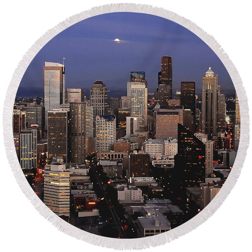 Seattle Round Beach Towel featuring the photograph Moon Over Seattle by David Lee Thompson