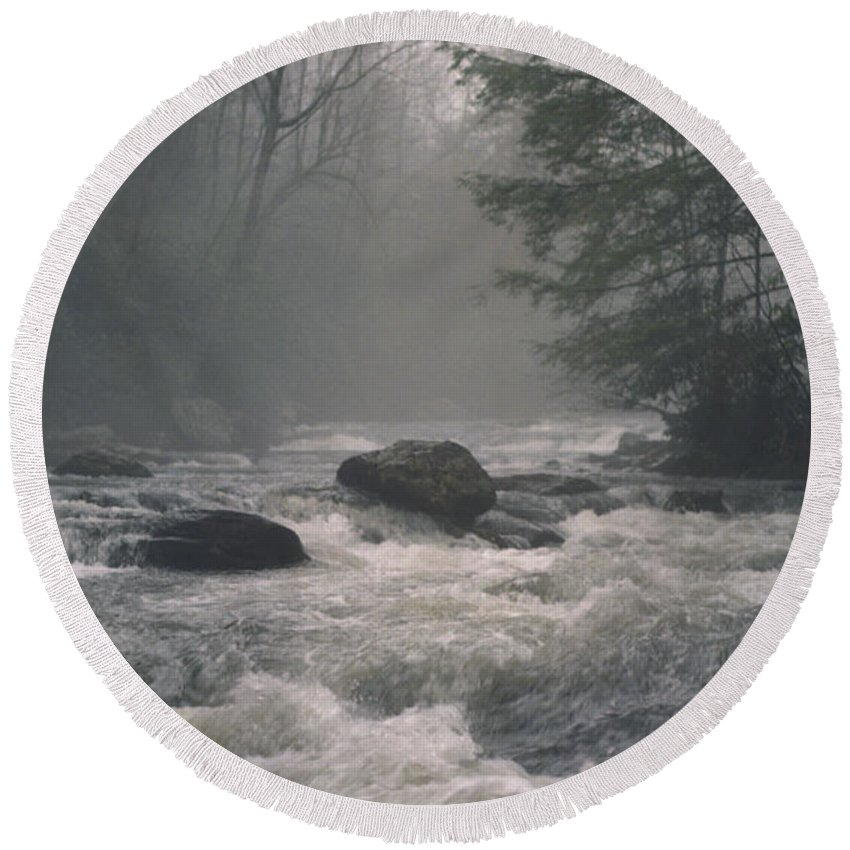 Rivers Round Beach Towel featuring the photograph Morning At The River by Richard Rizzo